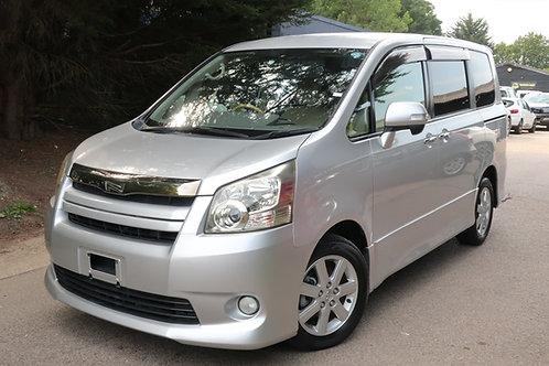 Toyota Noah 8 Seats ULEZ Compliant