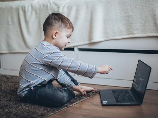 Σχολικές διακοπές: τα παιδιά στο σπίτι περισσότερο από ποτέ