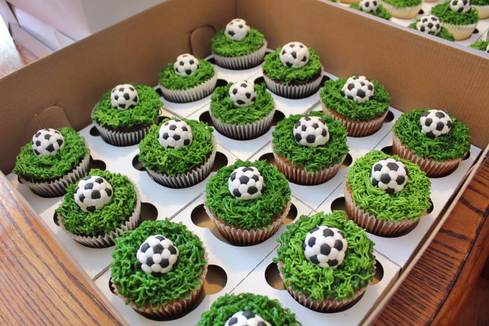Cupcakes with fondant soccer balls