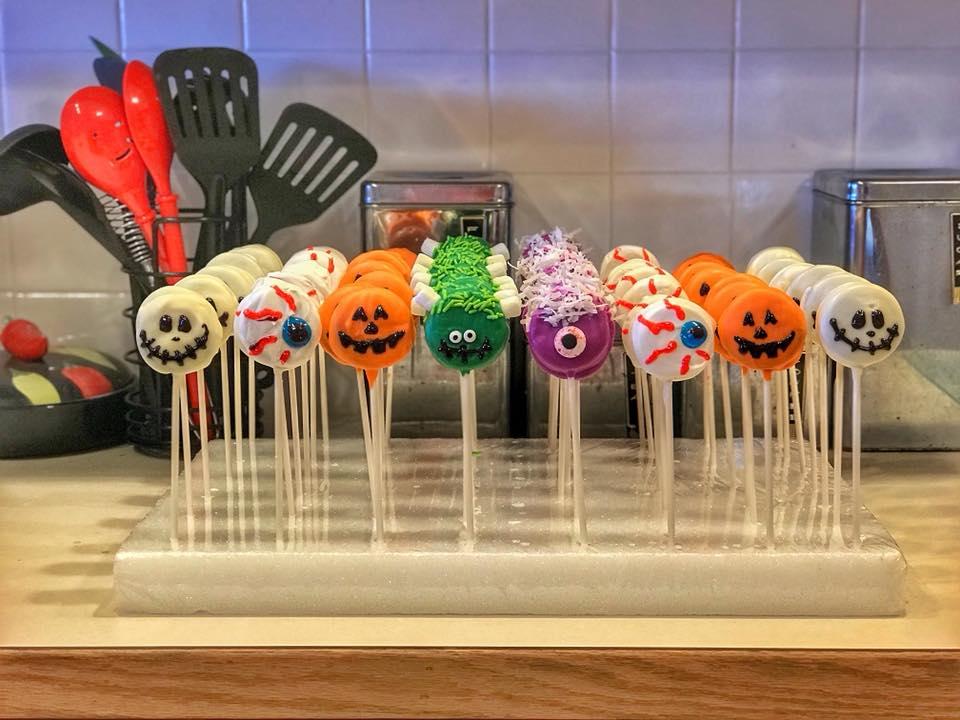 Halloween Chocolate Oreos