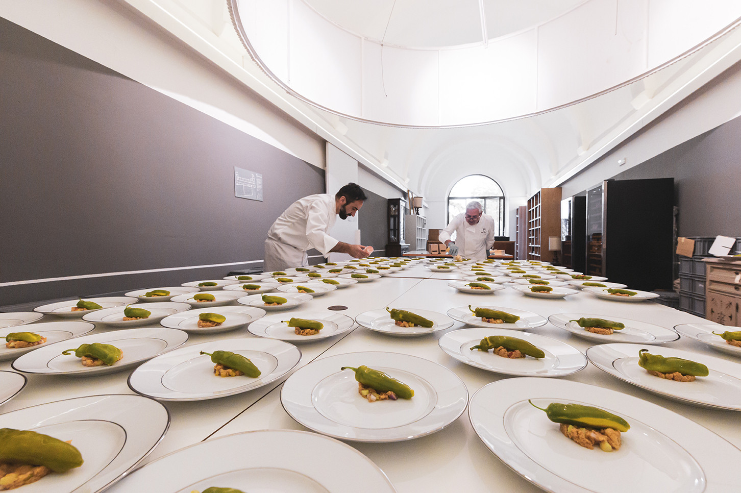 Vito Mollica and Walter Ferretto preparing the first course of the dîner paulée  Photo © Elis Taflaj
