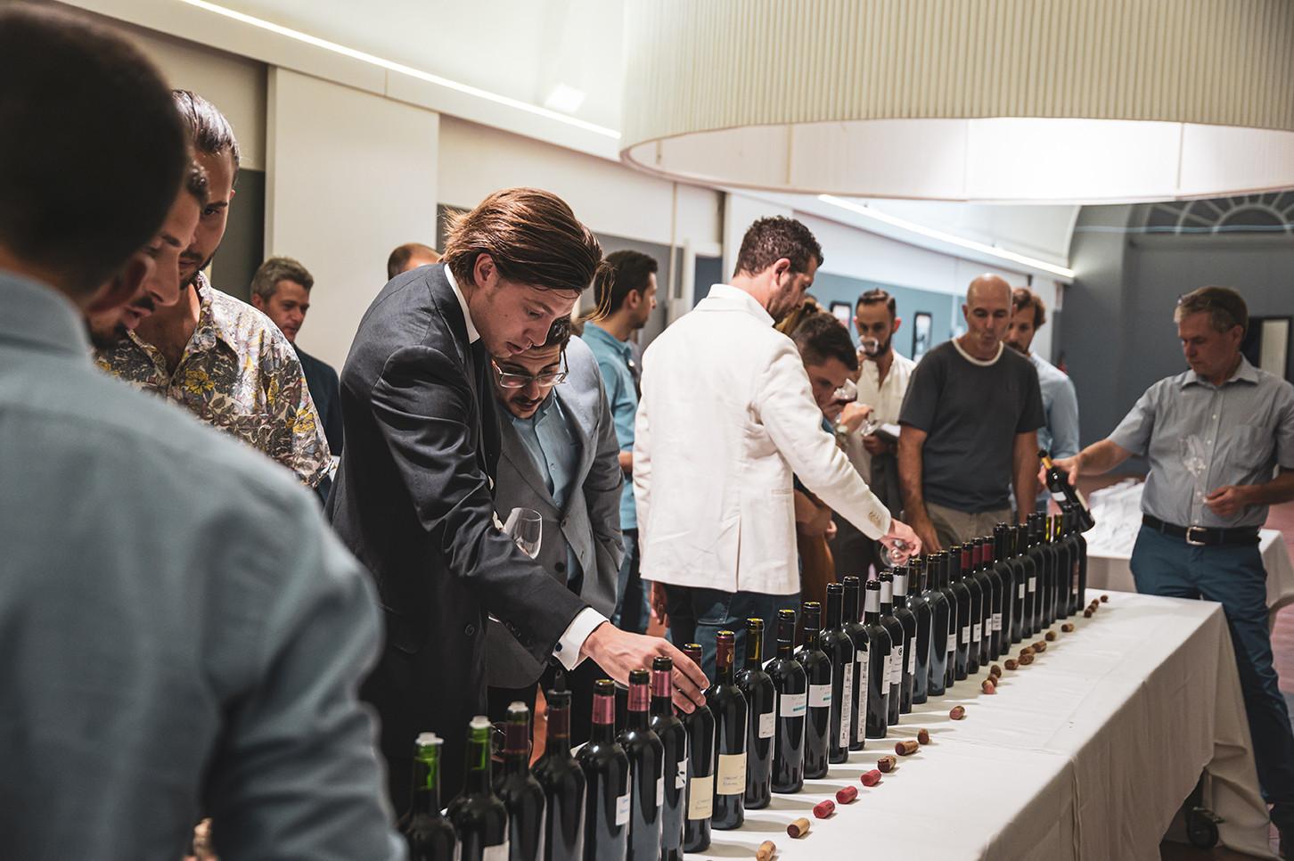 Technical tasting of wines en élevage with Tonnellerie Baron for Brunello producers   Photo © Elis Taflaj