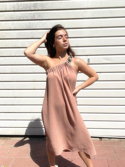 Scrunchie dress- beige