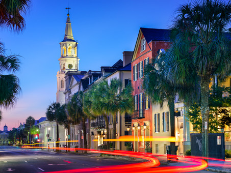 7 Romance Reads Based in Charleston, South Carolina