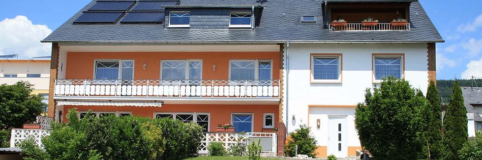Ferienhaus_außen.jpg