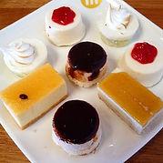assiettes-de-mini-desserts.jpg