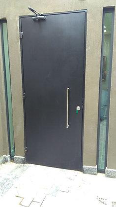 Porta de segurança de aço