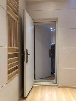 Duas portas de folha única para mesmo batente.