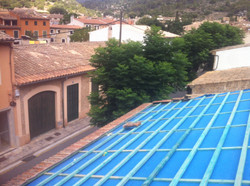 Eindeckung mit alten Dachziegeln