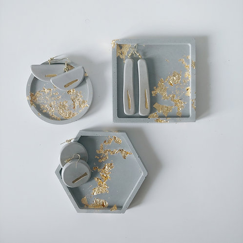 gold earring and tray set