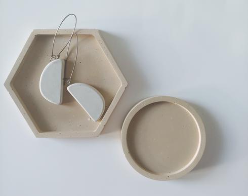 tray-oneset-earrings.png