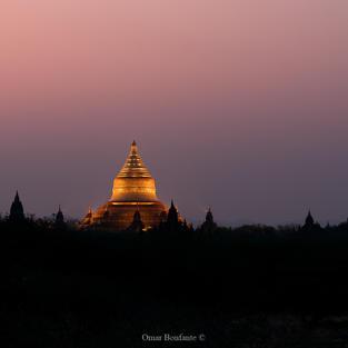 Alba sulla valle di Bagan