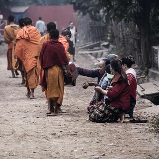 Carità Buddhista