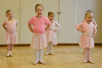 Baby ballarinas in class