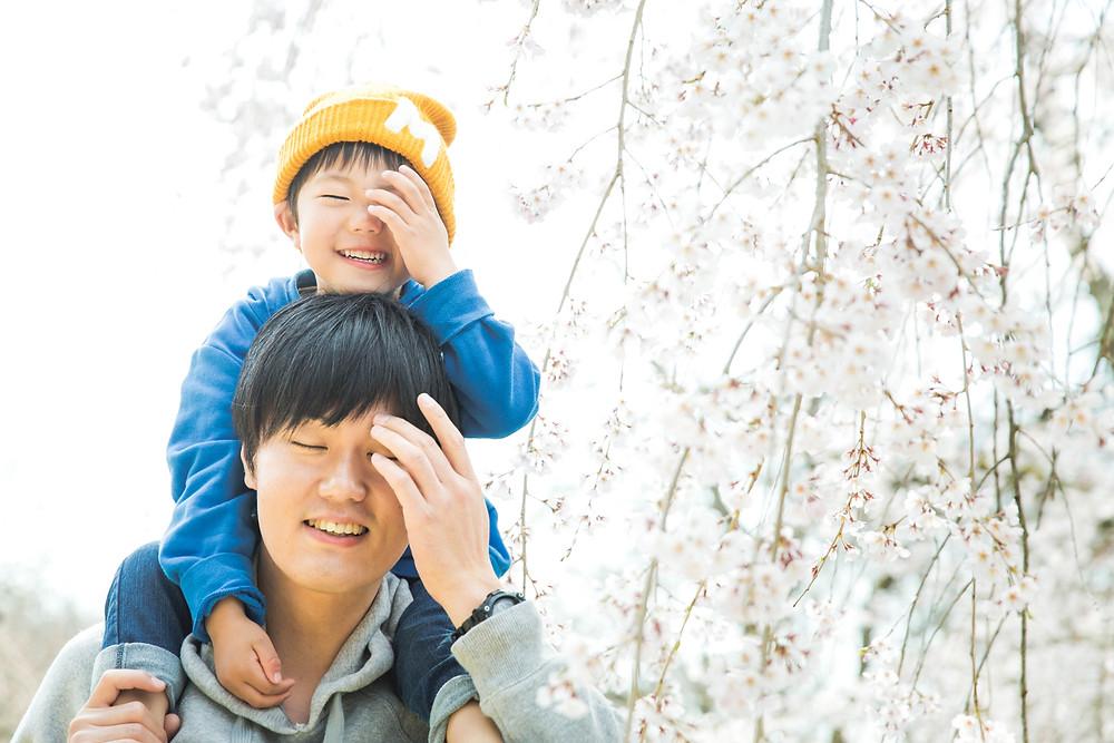 京都府立植物園で家族写真とストライダーとの写真撮影をフリーカメラマンがしました