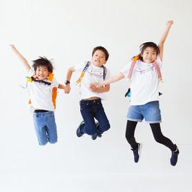 滋賀県長浜市のカメラマン浅井千穂の写真館「ジャム浅井フォトスタヂオ」はたまにへんてこ写真館を開館しています。