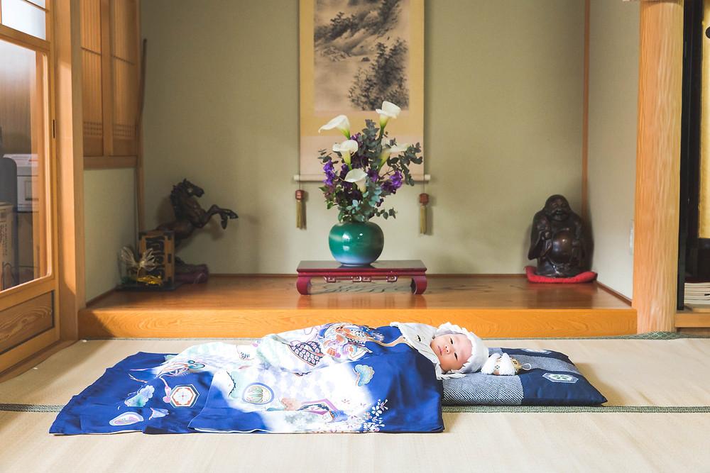 お宮参りへ行く前に滋賀県東近江市のご自宅で写真撮影
