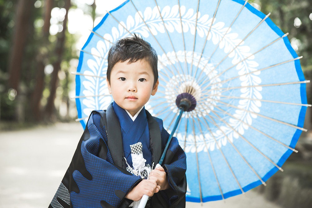 滋賀県近江八幡市安土町の奥石神社で七五三撮影をフリーカメラマンがしました。