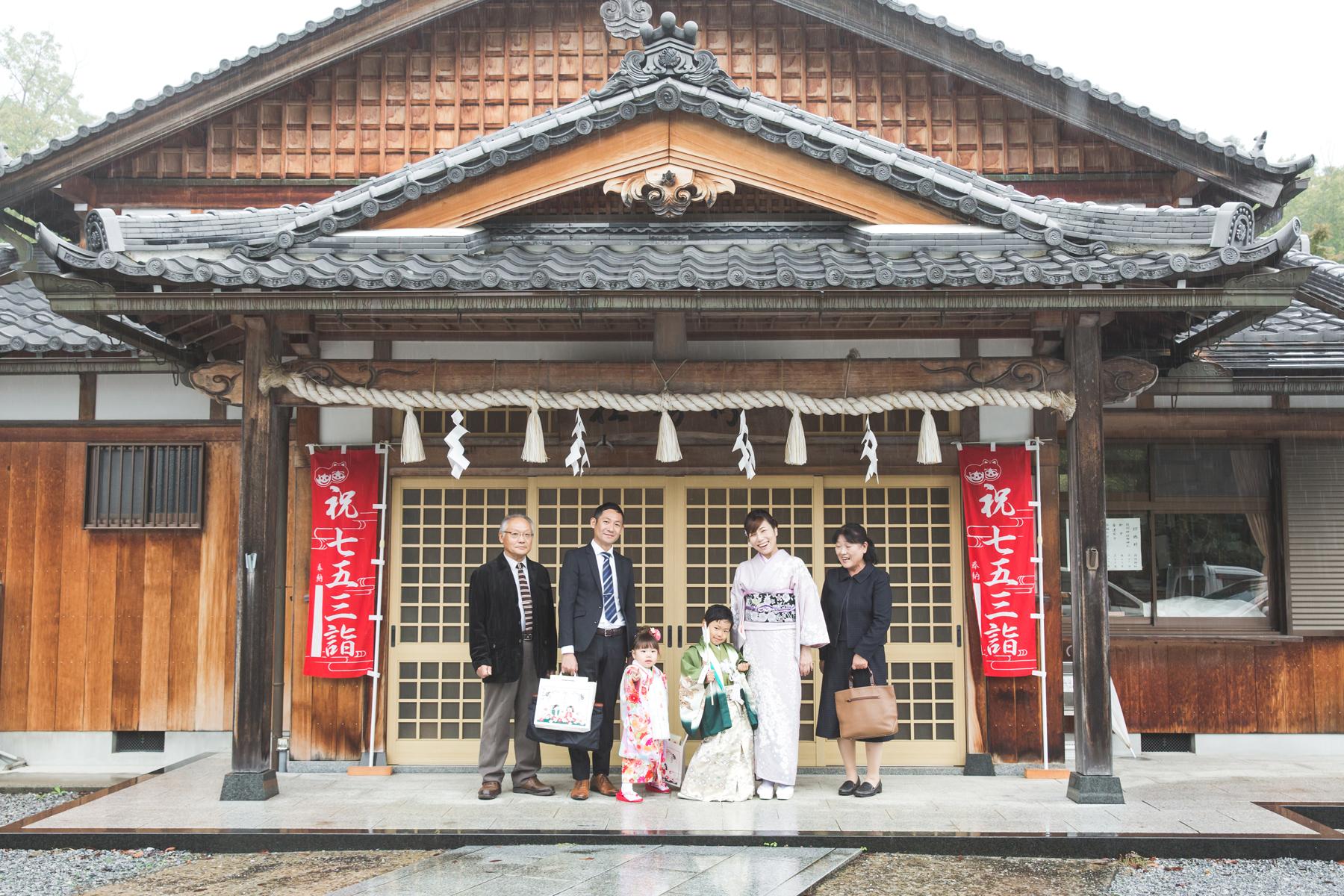 滋賀県彦根市の稲村神社での七五三撮影