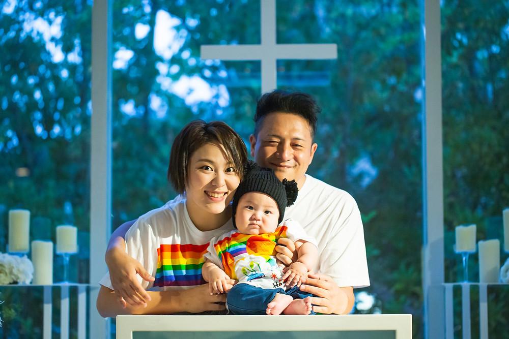滋賀県彦根市のペルテフォーリアさんで、家族写真出張撮影を女性カメラマンが写真撮影しました