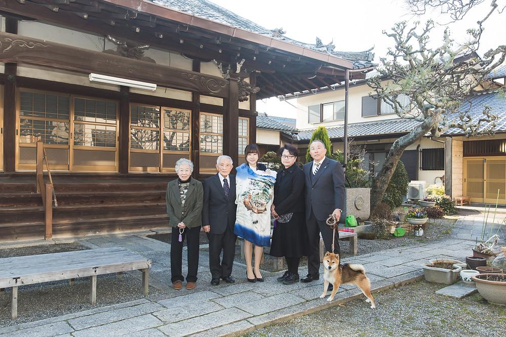 滋賀県のご実家で男の子のお宮参りの出張写真撮影。