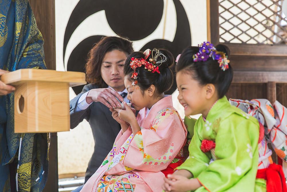 滋賀県東近江市の野々宮神社で七五三ご祈祷風景撮影