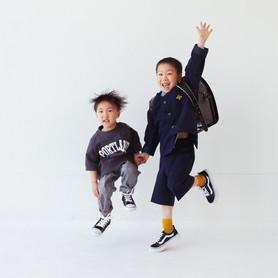 滋賀県長浜市のカメラマン浅井千穂は家族写真や七五三、お宮参り、成人、フォトウェディングのスタジオ撮影や出張撮影をしております。