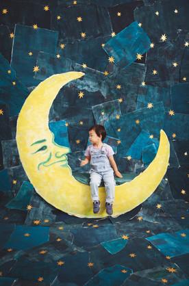 滋賀県長浜市のフォトスタジオ「ジャム浅井フォトスタヂオ」とワクワクデザイナー「ペーパームー」の「ペーパームーン」撮影イベント