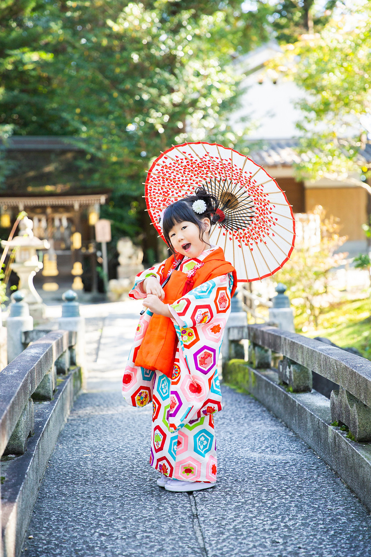 滋賀県長浜市のカメラマン、浅井千穂が出張撮影してきました!今回は滋賀県大津市の建部大社で姉妹さんの七五三!とっても良い天気の中撮影できました!