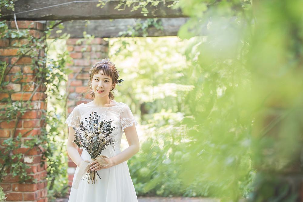 滋賀県米原市にあるローザンベリー多和田さんのイングリッシュガーデンで洋装のウェディングフォト撮影をしてきました!