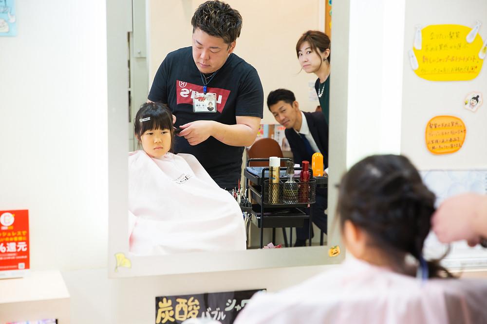 滋賀県大津市の建部大社で七五三出張撮影を女性カメラマンが写真撮影しました