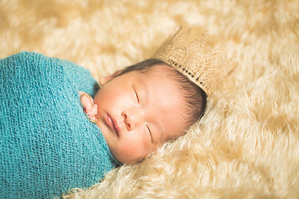滋賀県長浜市での出張カメラマンによる新生児フォト撮影