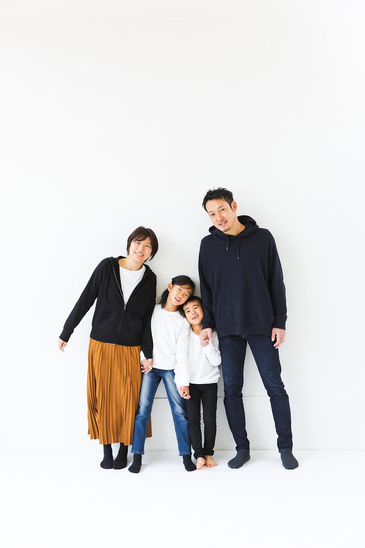 滋賀県長浜市の写真館です。お宮参りや七五三、成人前撮り、後撮り、ウェディングフォト、コマーシャルなどを女性カメラマンが撮影しています。