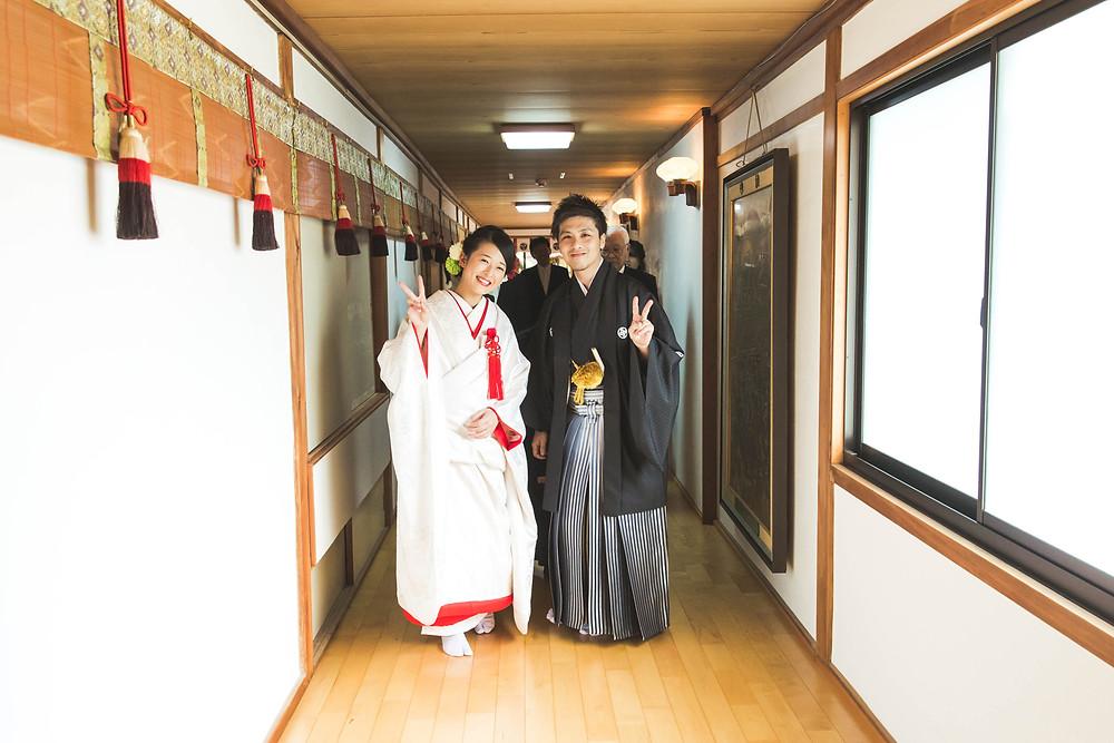滋賀県長浜市の長浜八幡宮で結婚式の風景をフリーカメラマンが撮影しました