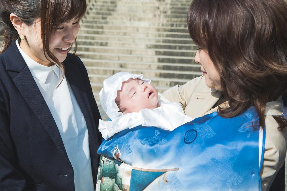 滋賀県大津市の近江神宮で男の子のお宮参りの出張写真撮影。