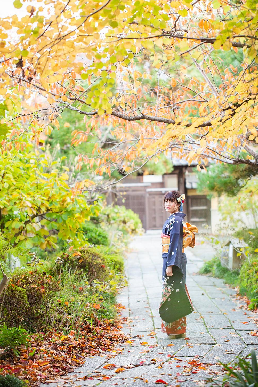 滋賀県長浜市の写真館と長浜八幡宮・舎那院で成人前撮り撮影をペットのワンちゃんたちとしました