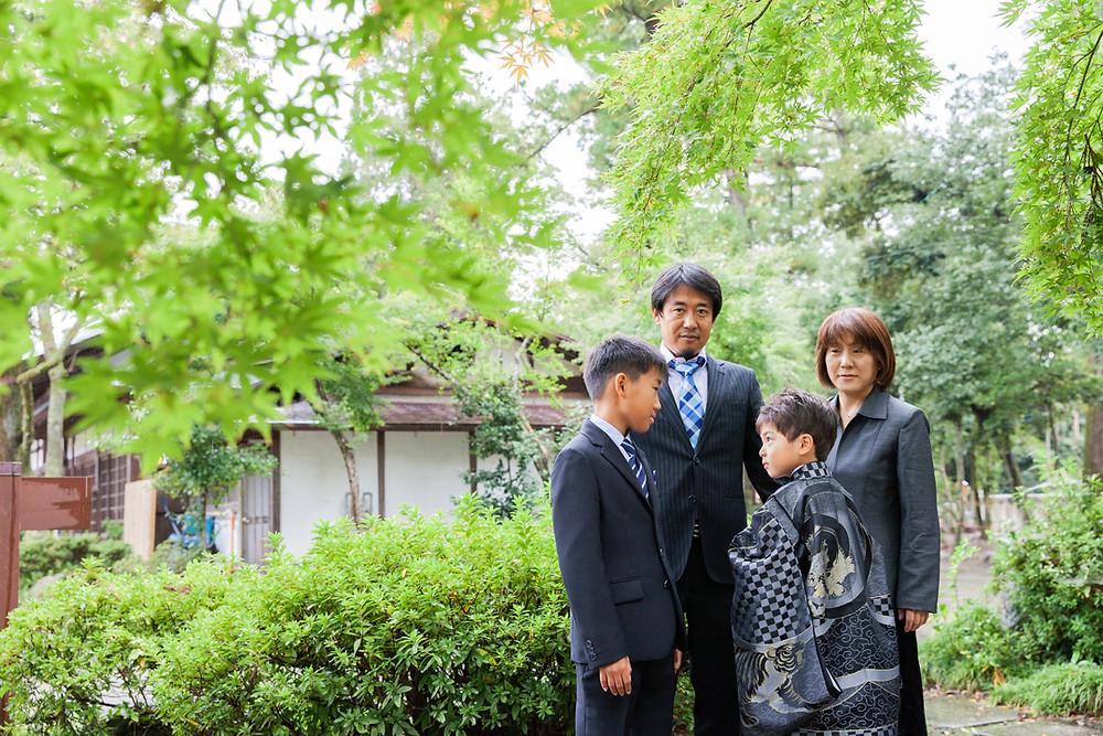 滋賀県犬上郡多賀町の多賀大社にて七五三当日、同行撮影をしました!家族写真や、兄弟撮影をロケーション撮影!