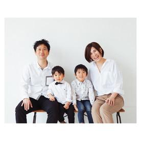 滋賀県長浜市のフォトスタジオ「ジャム浅井フォトスタヂオ」での記念撮影