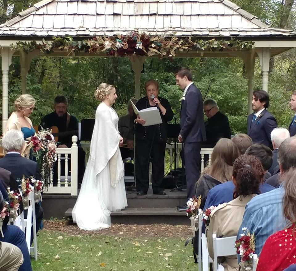 Wedding at Minnetonka Orchards - Minnetr