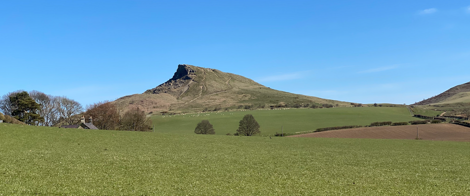 Roseberry Topping & The Captain Cook Monument – walk from Great Ayton