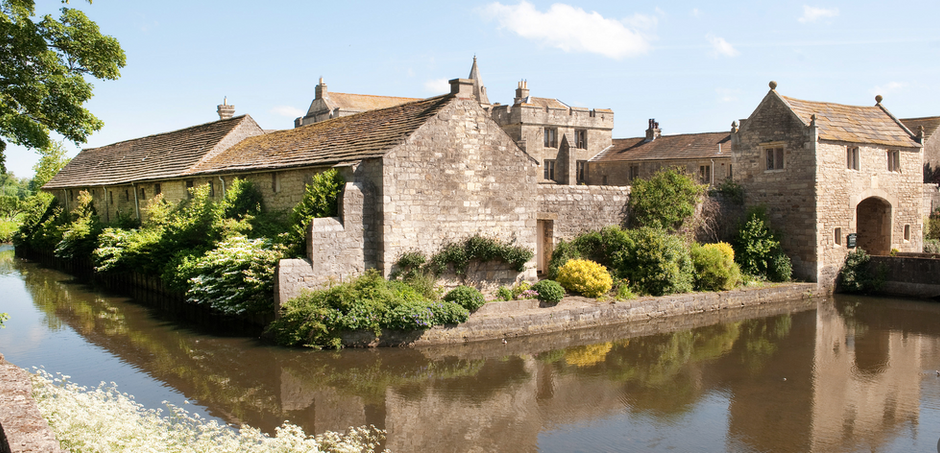 Markenfield Hall - A hidden medieval moated manor house near Ripon