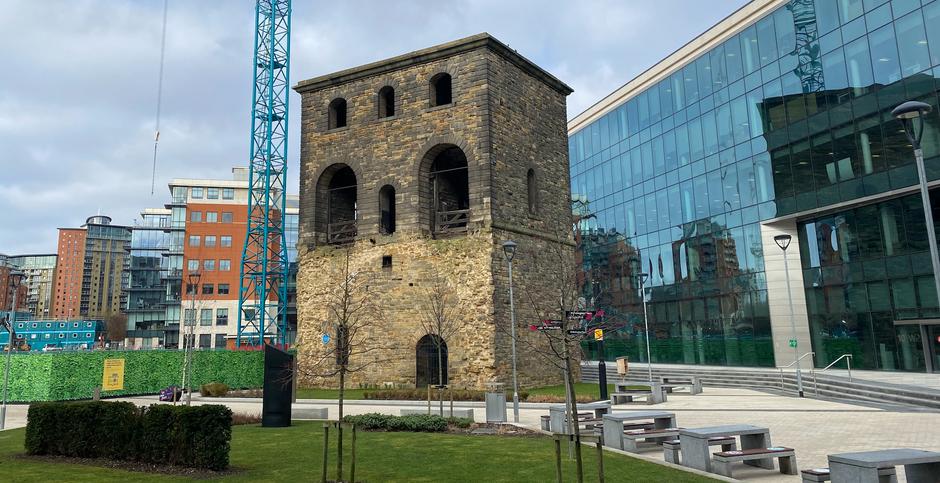 Leeds Wagon Lifting Tower - remnants of Leeds   railway heritage