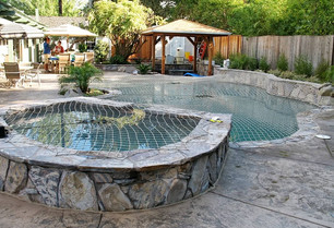 raised-wall-pool-safety-cover.jpg