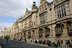 Oxford_Town_Hall_1.jpg