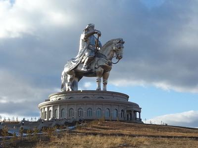Giant Chinnggis Khan Statue - P3.4.7.8.j