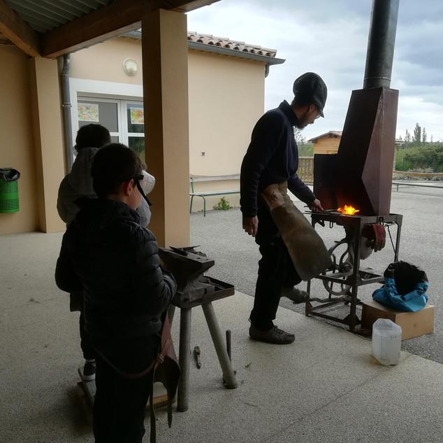 Atelier avec les enfants du Mistralou centre de loisirs