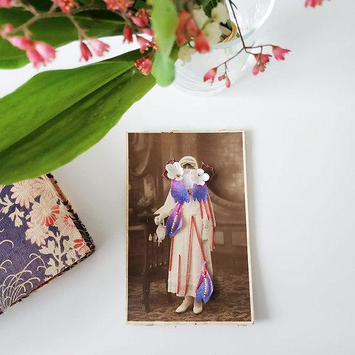 "Broderie "" Femme en fleurs """