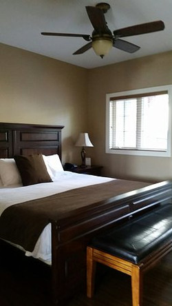 King Suite Delux King Bed