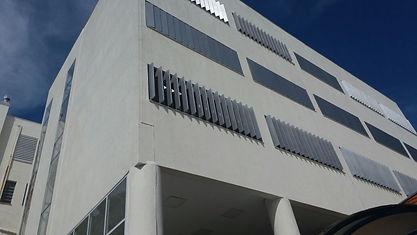 Esquadrias de alumínio no Colégio Mãe de Deus em Porto Alegre