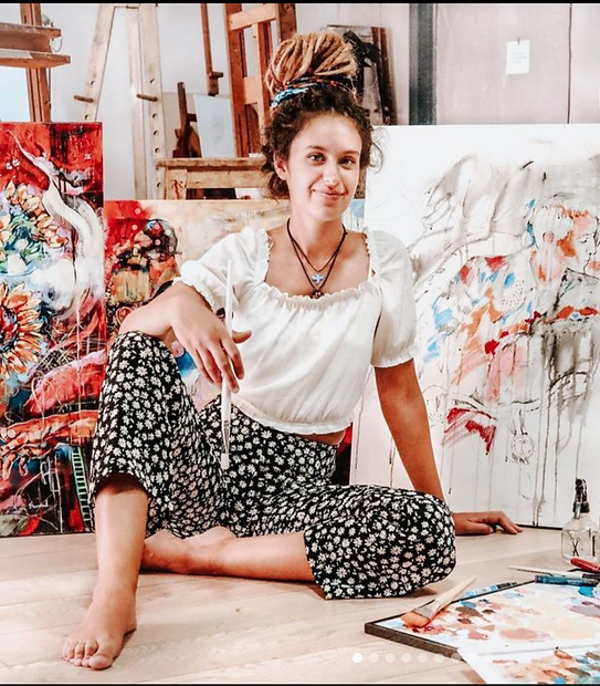 Esther Franchuk Travelling artist.png